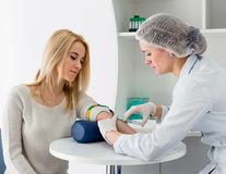 La ce afecțiuni ești predispusă, în funcție de grupa ta sanguină