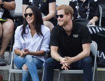 Prinţul Harry și Meghan Markle s-au logodit