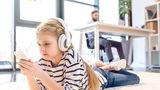 Experții avertizează: Dacă îi dai copilului tău un smartphone, este ca și cum i-ai da un gram de cocaină