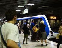 Femeia suspectată de comiterea crimei de la metrou a fost reţinută. Ipotezele anchetatorilor