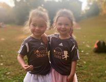 Ce se întâmplă când copiii se îmbracă singuri: Nimeni nu mai e ca ei!
