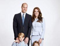 Kate şi William au făcut felicitarea de Crăciun: Ce a remarcat presa în poza lor