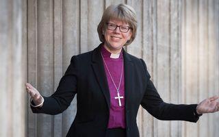 O fostă asistentă medicală, prima femeie episcop al Londrei