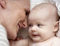 Ştiai asta? Bebelușii învață cuvintele cu mult timp înainte să vorbească