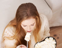 Ce alimente să eviți dacă te lupți cu depresia