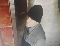 Pedofilul din lift a fost prins. Bărbatul e poliţist la Brigada Rutieră