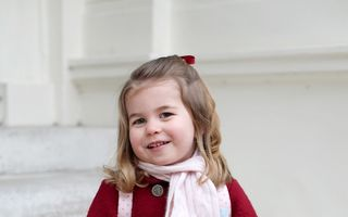 Prinţesa Charlotte, în prima zi de grădiniţă: Imaginile cu cea mai iubită fetiţă