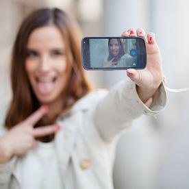 7 greșeli pe care le fac persoanele enervante pe rețelele de socializare