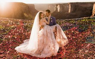Nuntă cu adrenalină: S-au căsătorit la înălţime şi au făcut cele mai frumoase poze