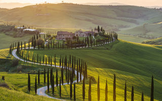 Știi imaginea asta idilică a Toscanei? Nici nu e!