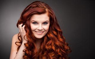 Cum să-ți protejezi părul când folosești placa sau ondulatorul