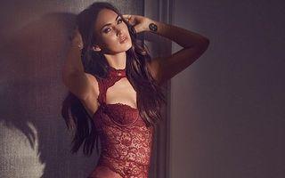 Megan Fox, spectacol ameţitor: Vedeta a pozat în colecţia sa de lenjerie