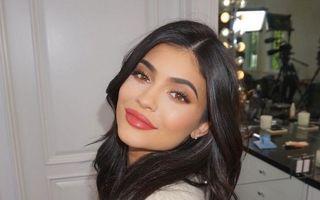 Kylie Jenner a devenit mamă: Vedeta a născut o fetiţă - VIDEO