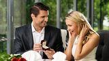Cum să-ţi dai seama dacă urmează să te ceară în căsătorie, în funcţie de zodia lui