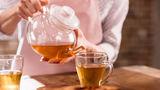 Studiu: Băuturile fierbinți cresc riscul de cancer esofagian la fumători
