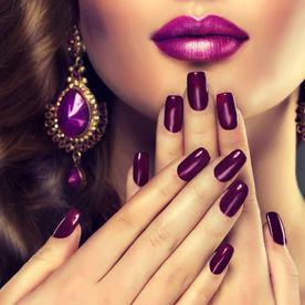 http://www.eva.ro/frumusete/cosmetica/manichiura-shellac-o-alternativa-mai-buna-decat-manichiura-cu-gel-articol-175069.html