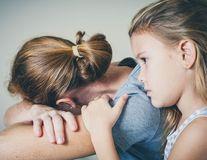 Când o mamă este deprimată, bebelușul simte același lucru