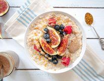 Cum să faci un terci de ovăz apetisant? 5 combinații de care nu te plictisești