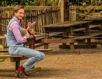 Proful de mate care arată ca un model: Predă la colegiu şi e vedetă pe Instagram