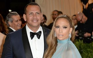 """Jennifer Lopez e gata de o nouă nuntă, dar vrea să-și țină iubitul sub papuc: """"Va trebui să joace după regulile ei"""""""