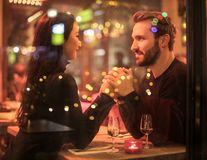 Bărbatul care își dorește o relație cu tine va face tot ce-i stă în putință să fie bine. Să-ți fie clar!