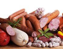 Ce se întâmplă dacă mănânci carne procesată?