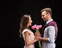 Diferența între a iubi pe cineva și a fi îndrăgostit