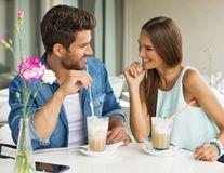 5 trucuri pentru ca flirtul să dea cele mai bune rezultate