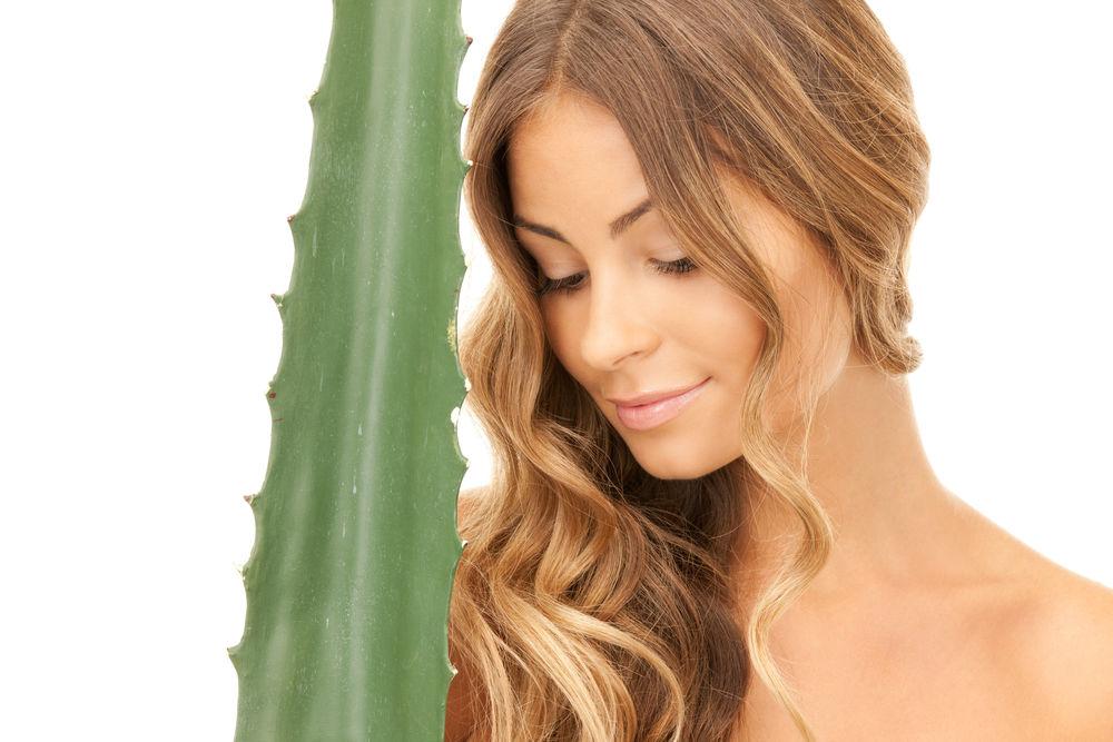 Cum să folosești Aloe Vera pentru a avea un păr sănătos și strălucitor