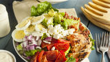 Cele mai proaste topping-uri pentru salată. De asta te îngrași!