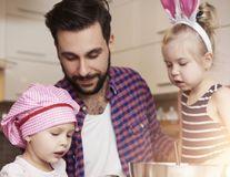 Cum să-ți înveți copilul să aibă încredere în el