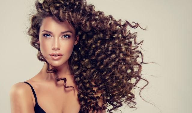 îngrijirea Părului Creț Ghid Complet Frumuseţe Coafuri Evaro