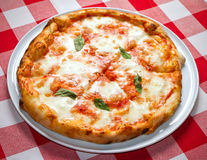 Cum să faci cea mai bună pizza Margherita? Rețeta bucătarului Gennaro Contaldo - VIDEO