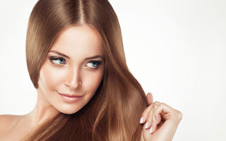 Cum să îți îndrepți corect părul. Sfaturile specialistului