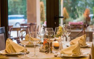 Cum ne aşteptăm invitaţii la masa de Paşte?