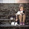 Nu există ceva mai frumos: Extraordinara prietenie dintre copii şi animale în 40 de imagini superbe