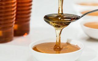 Mască exfoliantă cu zahăr și miere pentru un ten mai tânăr