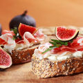2 idei de mic dejun grațios cu cremă de brânză Delaco Grace pentru această primăvară