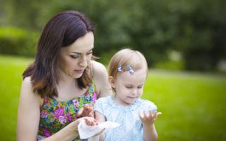 Studiu. Șervețelele umede ar putea provoca alergii alimentare în cazul copiilor