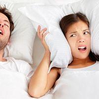 De ce nu ar trebui să dormi lângă o persoană care sforăie