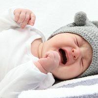 Cum să-l oprești din plâns pe cel mic