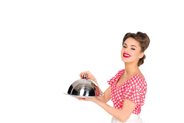 Femeie gătind