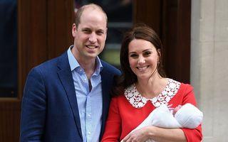 Kate Middleton şi-a prezentat al treilea copil: Primele imagini cu bebeluşul regal