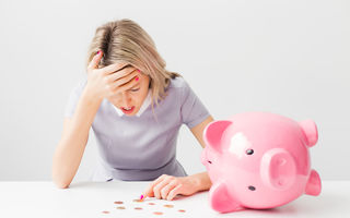 O scădere bruscă a venitului poate crește riscul morții. Studiu