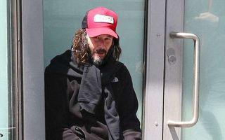 Cool şi cerşetor: Keanu Reeves arată din nou ca un vagabond