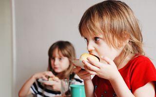 De ce sunt importante pentru copii mesele în familie. Beneficii dovedite științific