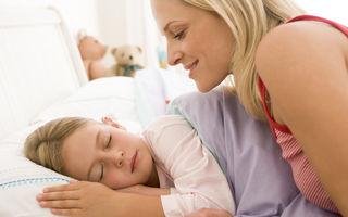 Obiceiul de a culca copiii devreme este benefic pentru sănătatea mintală a mamelor