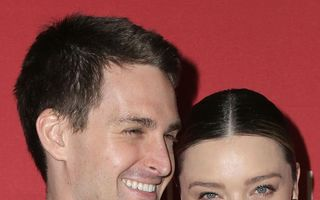 Miranda Kerr şi fondatorul Snapchat au devenit părinţi
