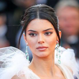Kendall Jenner in rochie transparenta