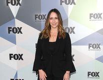 """Jennifer Love Hewitt cere scuze după apariţia pe covorul roşu: """"Arătam ca o zăpăcită"""""""